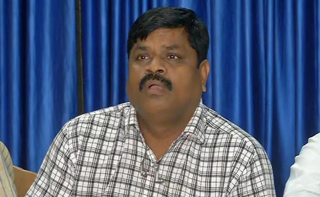 AP Police Officers Association Condemns Varla Ramaiah Comments - Sakshi