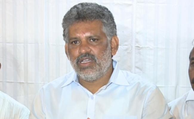 Chevireddy Bhaskar Reddy Slams Chandrababu Over Local Body Polls - Sakshi