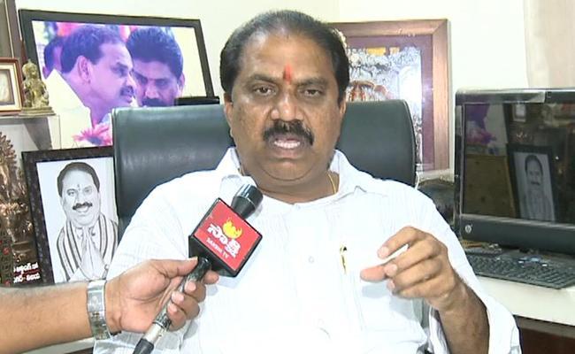 Malladi Vishnu Comments On Defer Local Body Polls In Vijayawada - Sakshi