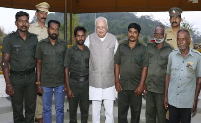 Covid 19: Kerala Governor Chills In The Hills - Sakshi
