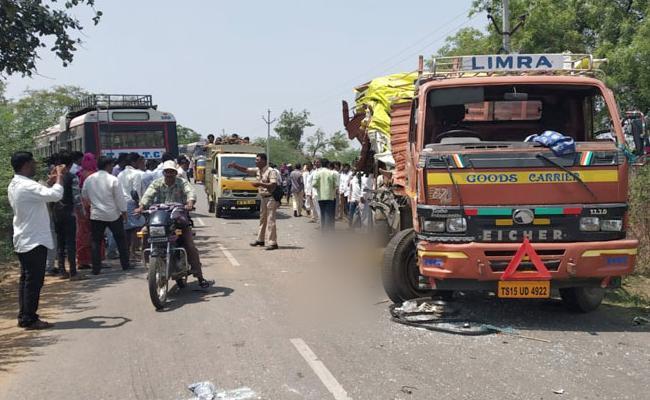 7 Last Breath In Road Accident At Sangaipet Medak District - Sakshi