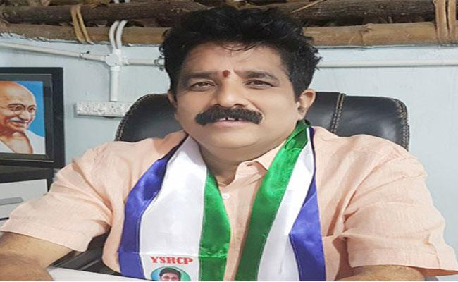 Two ZPTC Seats Unanimous In Chodavaram Constituency - Sakshi