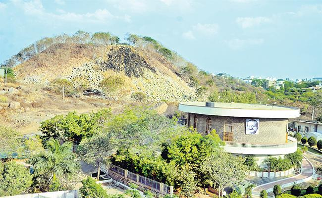 Person Built Tremendous Hill In Hyderabad - Sakshi