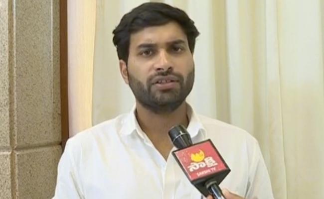 Devineni Avinash Comments About Chandrababu In Vijayawada - Sakshi