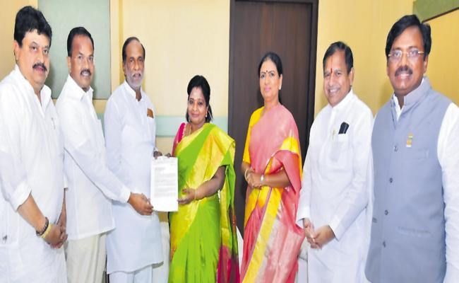 Telangana BJP Appealed to Tamilisai Soundararajan On CAA - Sakshi