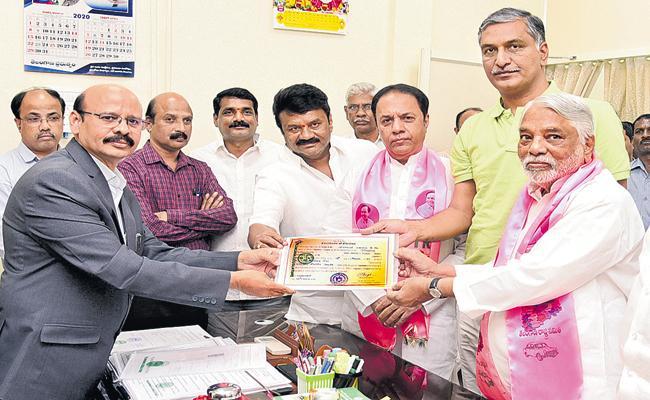K Keshava Rao and Suresh Reddy Unanimous To Rajya Sabha - Sakshi