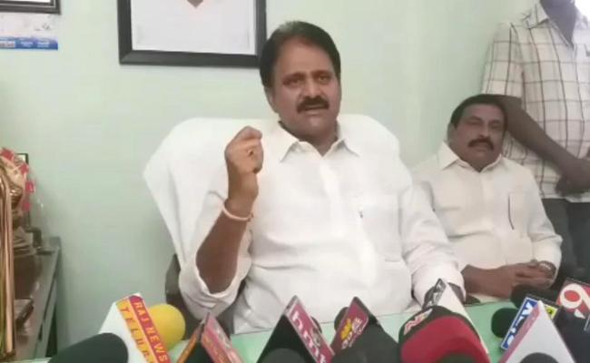 Mopidevi Venkata Ramana Slams EC Ramesh Kumar In Guntur - Sakshi