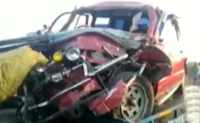 Six People Losts Breath In Road Accident In Chennai - Sakshi