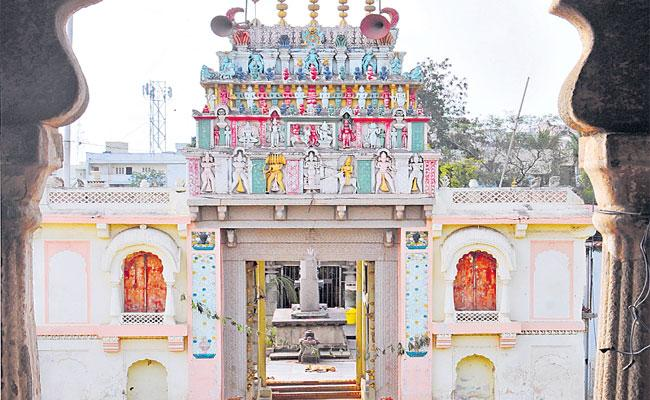 Covid 19: Chilkur Balaji Temple To Remain Shut Down - Sakshi