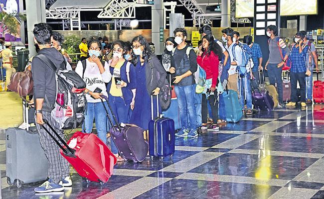 Telugu Medical students return home from Kuala Lumpur - Sakshi