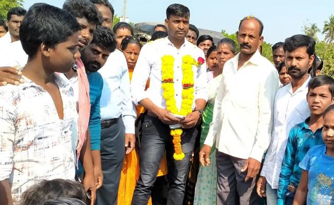 Jawan Dorababu Reached Home After Recovered From Attacks - Sakshi