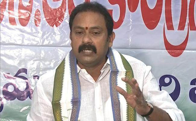 Dwaraka Tirumala New Governing Council Members Takes Oath - Sakshi