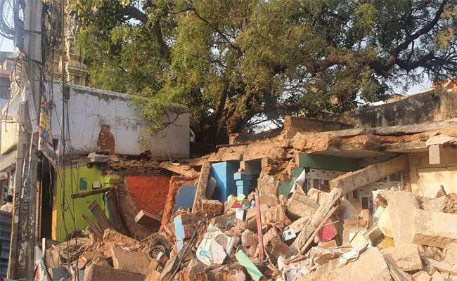 Man Demolished Temple Store Complex In Anantapur - Sakshi