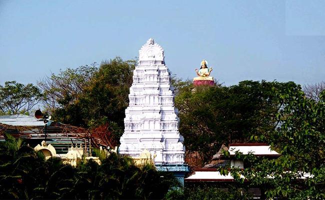 Basara Temple Arjitha Sevas Closed tomorrow Onwads In Nirmal - Sakshi