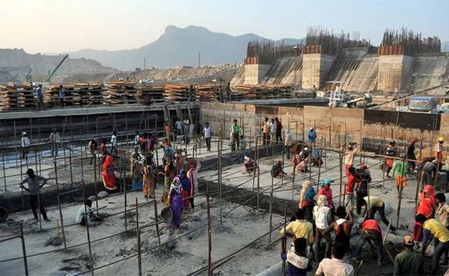 Polavaram Project Works Speed Up To Complete on Time - Sakshi