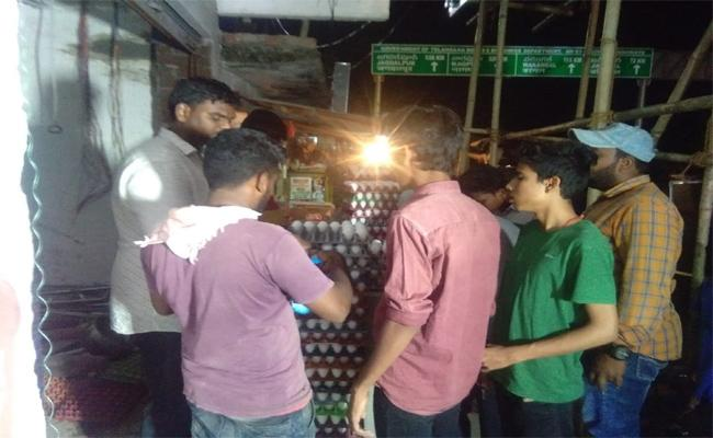 One Rupee For One Egg In Armoor At Nizamabad - Sakshi