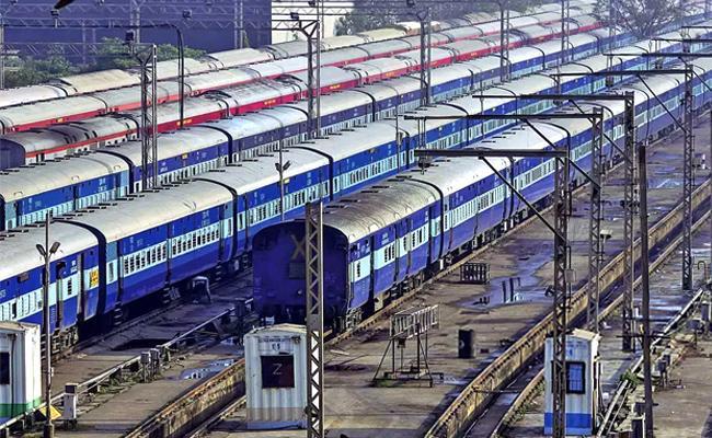 Janata Curfew: Railways Cancels Train Services On Sunday - Sakshi