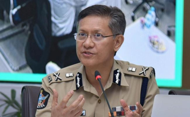 AP DGP Gowtham Sawang Urged People Co Operation To The Control Of The Coronavirus - Sakshi