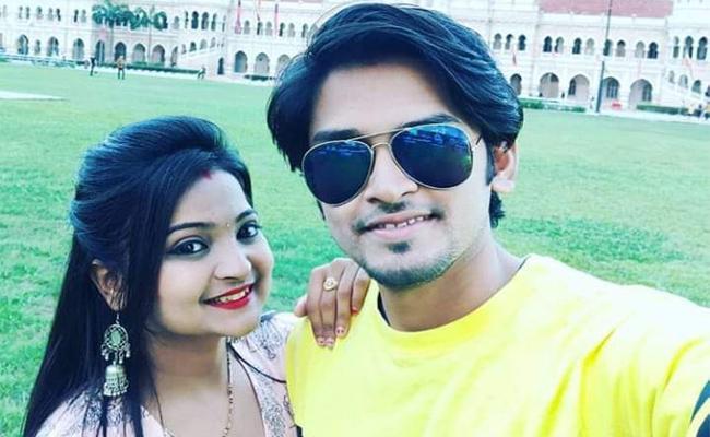 Odisha Couple Detained In Malaysia - Sakshi