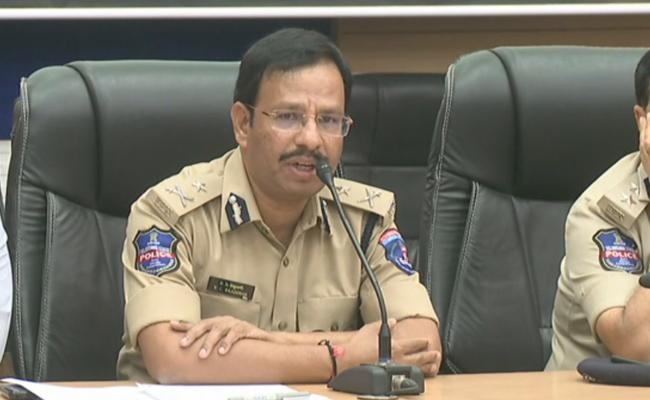 Covid 19 Cyberabad CP Sajjanar Warns Motorists Not To Disobey Rules - Sakshi