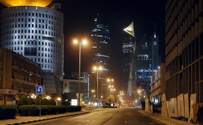 Kuwait Announced Imposing Nationwide Curfew - Sakshi