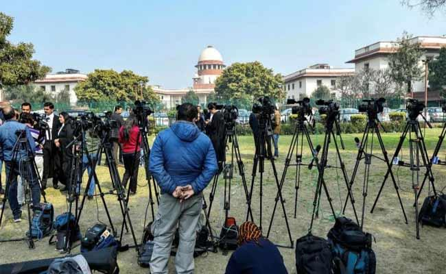 Supreme Lawyers Not To Work Till April 4 Due To Corona - Sakshi