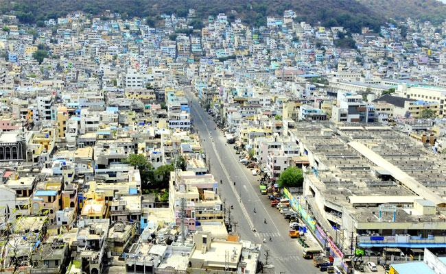 Officials Were Alerted In Vijayawada Who Was Found To Be Corona Positive - Sakshi