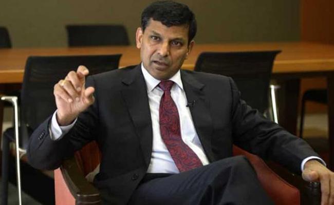 Raghuram Rajan : RBI can do to soften coronavirus impact on Indian economy - Sakshi