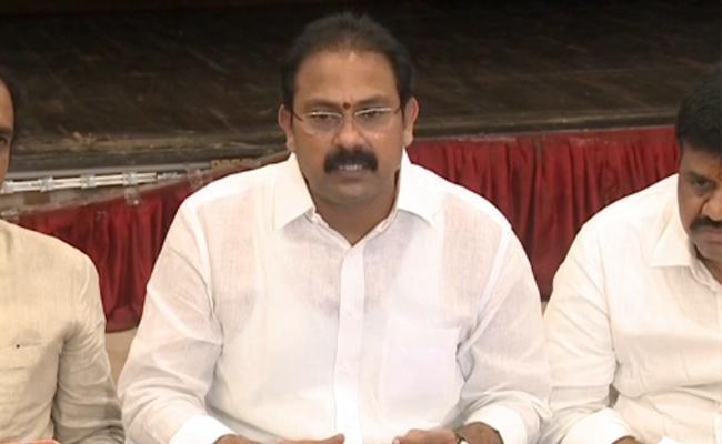 3 New Coronavirus Cases Registered in Vishakapatnam says Alla Nani - Sakshi