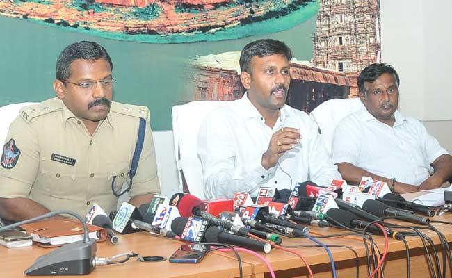 Corona Virus Lockdown Continues In YSR Kadapa - Sakshi