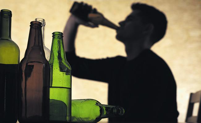 Coronavirus: Alcohol sales have stalled for more than 48 hours - Sakshi