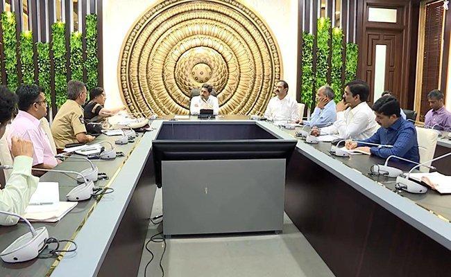 YS Jagan High Level Review Over CoronaVirus - Sakshi