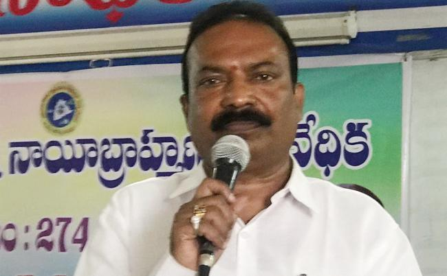 Telangana Nayee Brahmin Ikya Vedika Demand for Power Bill Waiver - Sakshi