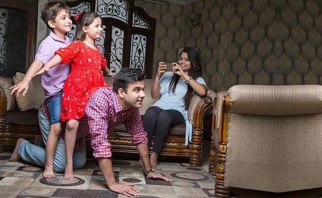 Story On Coronavirus Lockdown Effect On Family In Sakshi Family
