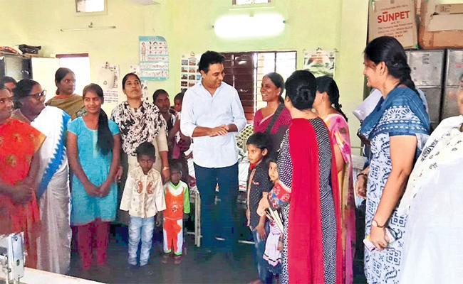 KTR Sudden Visit in Hyderabad on Coronavirus Awareness - Sakshi