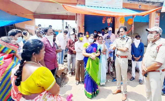 Visakhapatnam Police Awareness on Coronavirus - Sakshi