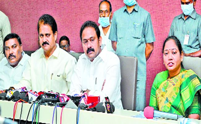 Alla Nani Advice People To Maintain Social Distance To Be Safe From Corona - Sakshi