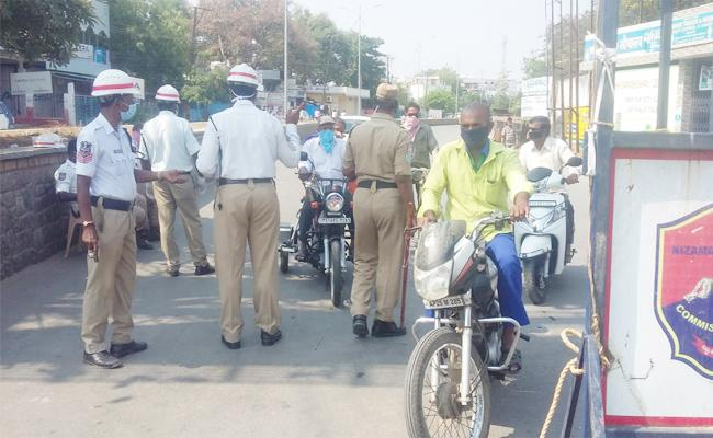 Nizamabad People Neglect on Lockdown - Sakshi
