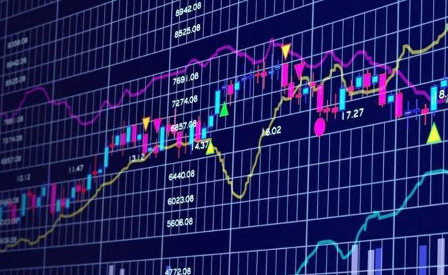 Sensex drops 400 points Niftybelow 8600 - Sakshi