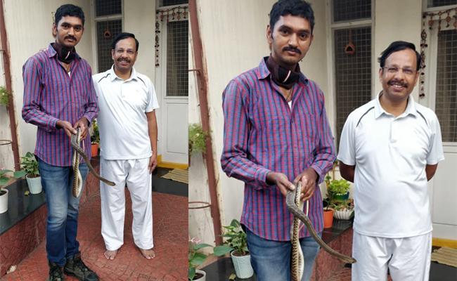 5 Foot Snake Spotted In VC Sajjanar House - Sakshi