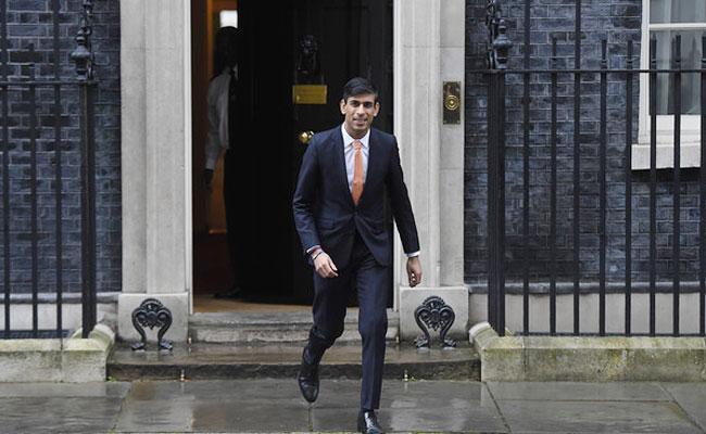 UK Ministers Faces Corona Virus Fears After Boris Johnson Infected - Sakshi