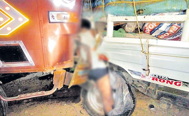 Road Accident In Shamshabad Outer Ring Road On Friday Mid Night - Sakshi