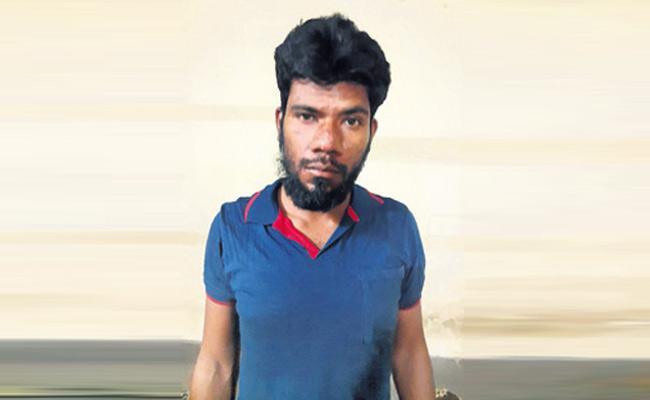 Solapur Man Kills Man For Escape Murder Case - Sakshi