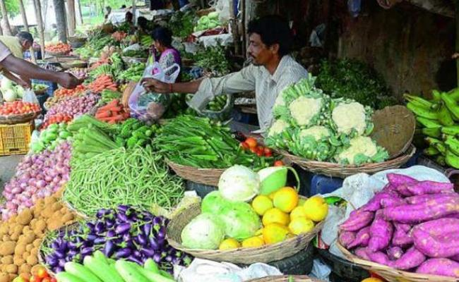 Rythu Bazar Shifted To Open Grounds Due To Coronavirus In Telangana - Sakshi