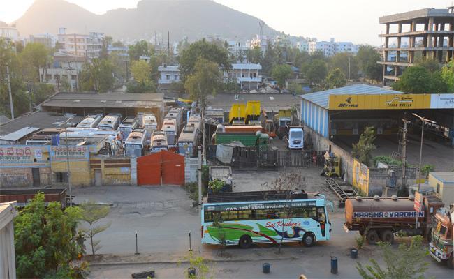Coronavirus Effect To Mobile Shops Are Closed In Vijayawada - Sakshi
