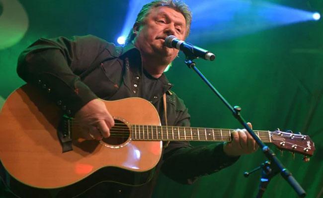 Singer Joe Diffie Dies Of Coronavirus - Sakshi
