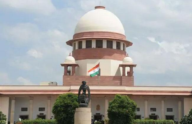 Supreme Court To Hear Petition On Migrants Amid Lockdown - Sakshi