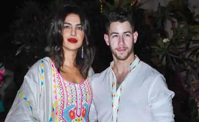 Priyanka Chopra And Nick Jonas Donates To UNICEF, PM Cares And Other Funds - Sakshi