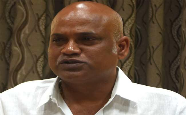 KDCC Bank Chairman Yarlagadda Venkatrao Said Mobile ATMs Set Up In Villages - Sakshi