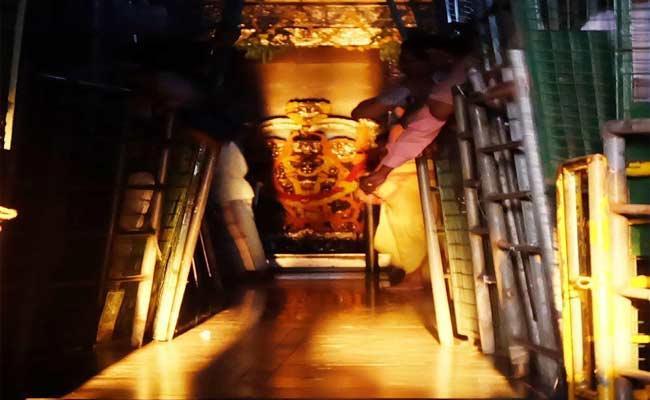 Sun Rays Will Touch Suryanarayana Temple In Arasavalli - Sakshi
